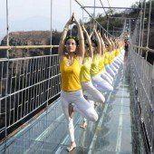 Yoga in 180 Meter Höhe