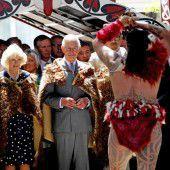 Prinz Charles und Camilla bei den Maori