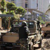 Terroristen stürmen Hotel in Mali