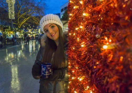 WeihnachtsmärkteIn Bregenz, Dornbirn und Feldkirch verzaubern die Weihnachtsmärkte auch 2016 wieder die Stadtzentren. Angeboten wird allerlei Kunsthandwerk, Praktisches und Genussvolles für die ganze Familie.