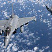 Verstärkte Luftangriffe auf Stellungen des IS