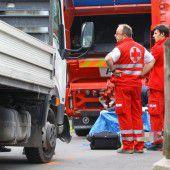 Arbeiter eingeklemmt und tödlich verletzt