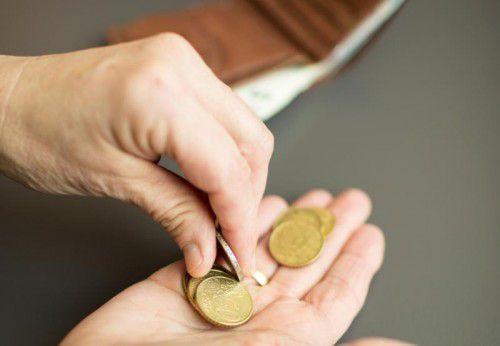Im Ruhestand kommt es für viele Menschen auf jeden Cent an. Eine Firmenpension kann da richtig unterstützen.
