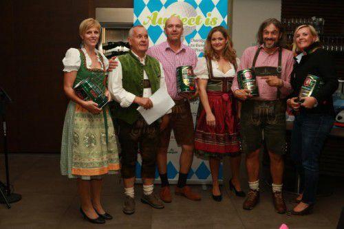 Netto-Sieger Daniela Sinnhuber und Erwin Ott, zwischen dem OK-Team Jürgen Bildstein, Magdalena Jaeher, Daniel Gutschner, Carmen Chromy.