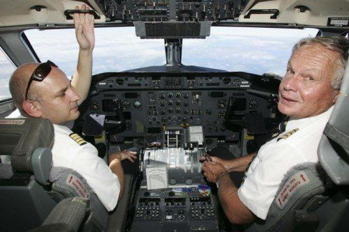 Neustart mit der InterSky im Jahr 2001: Rolf Seewald saß bis zu seiner Pensionierung im InterSky-Cockpit.