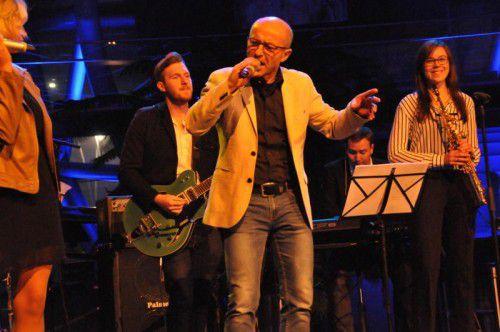 Organisator Hubert Hilgert und Band unterhielten die vielen Besucher mit Eigenkompositionen.