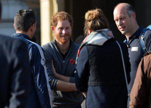 Prinz Harry begrüßte die Teilnehmer des Laufs in London.