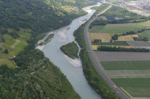 Die Mastrilser Rheinauen in der Schweiz. Geht es nach den Naturschützern, soll der Rhein auch bei uns einmal so aussehen.Rhesi