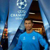 Ronaldo tauscht grünen Rasen für roten Teppich