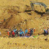 Verheerender Erdrutsch fordert Dutzende Tote