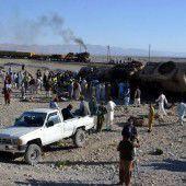 Mindestens 16 Tote bei Zugunglück in Pakistan