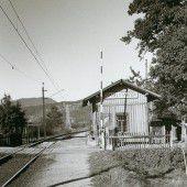 Vorarlberg einst und jetzt. Bahnhaltestelle Haselstauden