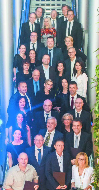 Anerkennung für langjährige Firmenzugehörigkeit erhielten zahlreiche Russmedia-Mitarbeiter.