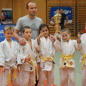 Bregenzer Judokas mit Triumph im Schülercup