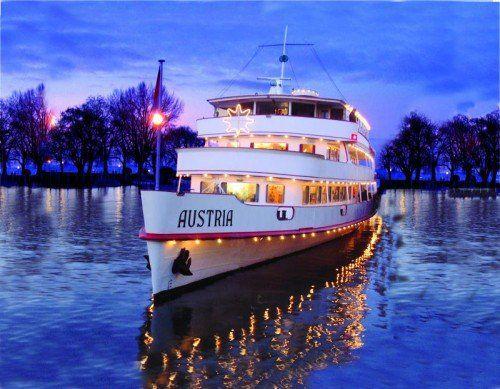 Das Weihnachtsschiff steuert verschiedene Weihnachtsmärkte am Bodensee an.