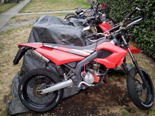 Dieses Moped befindet sich in Diebeshand.