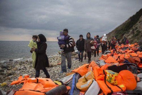 Flüchtlinge erreichen die Insel Lesbos. Noch immer kommen Tausende Migranten nach Griechenland.