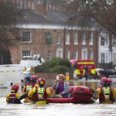 Hochwasser hat Norden Englands fest im Griff