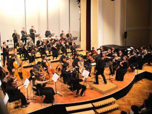 """Mit Beethoven stellte sich das """"Konse""""-Sinfonieorchester gestern einer großen Herausforderung."""