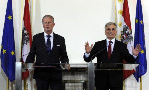 Mit Koalitionspartner Reinhold Mitterlehner (ÖVP) ist Werner Faymann (SPÖ) trotz Misstönen zufrieden.