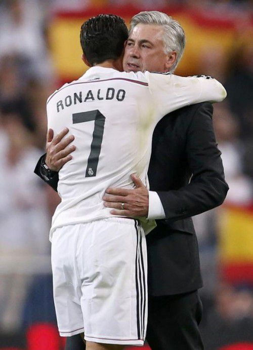 Schätzen sich: Cristiano Ronaldo (l.) und Carlo Ancelotti.