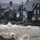 Sturm Frank fegt über Atlantikküsten