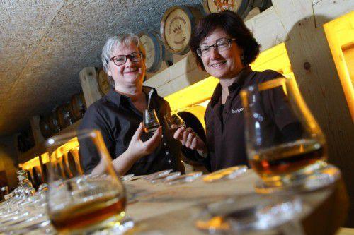 Ursula und Ulrike Broger (l.) überzeugen mit ihrem Whisky die amerikanische Fachpresse.