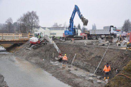 Vor Weihnachten sollen die neuen Fundamente fertig sein.