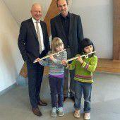Neue Flöten für Bludenzer Musikschule