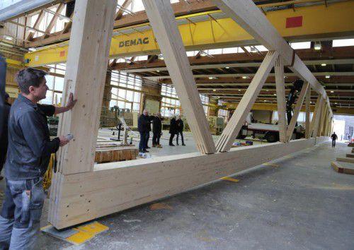 65 Meter lang und 5,5 Meter hoch: Anfang Sommer sollen die Fachwerkträger montiert werden.