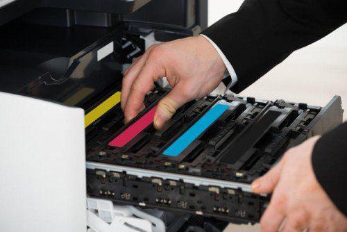 70.000 Euro sackte der Dieb mit den gestohlenen Druckerpatronen über eine Internetplattform ein, ehe er von der Polizei erwischt wurde.