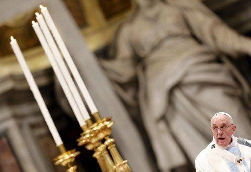 Bei der traditionellen Neujahrsmesse im Petersdom richtete Papst Franziskus Appelle an alle Menschen.