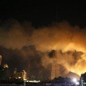 Dubai: Fotograf überlebt Brand an Seil hängend