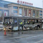 Brandstiftung in Bus fordert in China 17 Tote