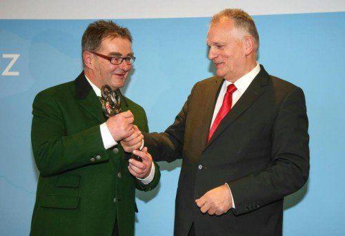Der Salzburger Saller hat den Vorsitz des Bundesrates von seinem oberösterreichischen Vorgänger Gottfried Kneifel (beide ÖVP) übernommen.