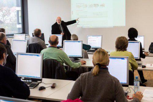 Deutschkurse und Weiterbildung stehen bei den Vorarlberger Volkshochschulen im Fokus.