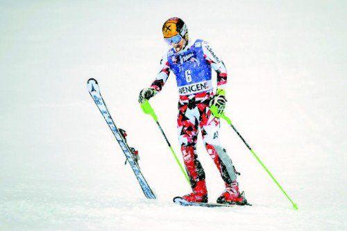 Die Kanten sind ruiniert, Marcel Hirscher war nach dem Aus im Wengen-Slalom nicht gut aufgelegt.