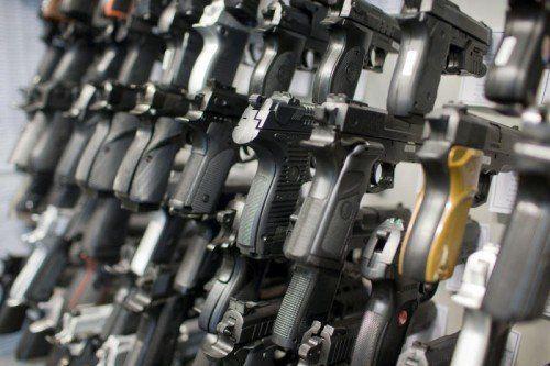 Die Waffen-Nachfrage ist in Vorarlberg gestiegen. 2015 wurden fast 400 Waffenbesitzkarten ausgestellt.