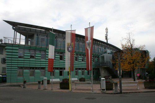 Im Harder Rathaus wird derzeit über ein vierstöckiges Gebäude in der Wagnergasse verhandelt. Foto: VN/Seidel