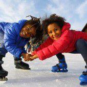 Sonniger Ausflug auf den Eisplatz
