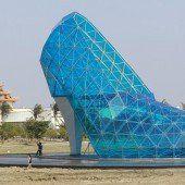 Dieser Schuh ist eine Kirche