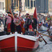 Kunterbunter Karneval in der Lagunenstadt