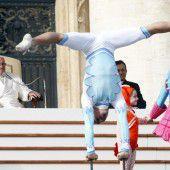 Zirkus für den Papst