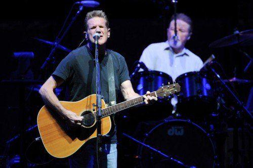 """Glenn Frey (l.) und Don Henley von den """"Eagles"""" bei einem Konzert im Madison Square Garden in New York."""