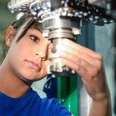 Höheres Wachstum 2016 soll den Arbeitsmarkt entlasten