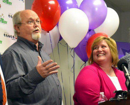 John und LIsa Robinson beschreiben sich als ganz gewöhnliche Leute, und wollen das auch als Multimillionäre bleiben.