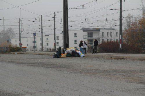 Laut Hausordnung der ÖBB darf auf den Bahnsteigen des Dornbirner Bahnhofs kein Gepäck gelagert werden.