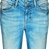 An diesen Jeanstrends kommt niemand vorbei