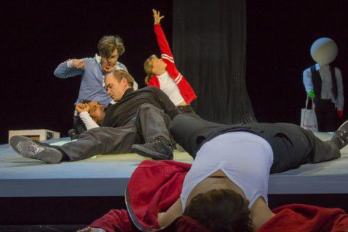 """""""Medusas Floß"""" nach Petra Maria Kraxner wurde gestern Abend am Landestheater in Bregenz uraufgeführt."""