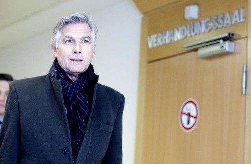 Meischberger muss sich im Wiener Straflandesgericht wegen des Vorwurfs der schweren Untreue verantworten.